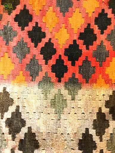 Sonnenbleiche im Teppich entfernen ist häufiger Teppichreparaturvorgang