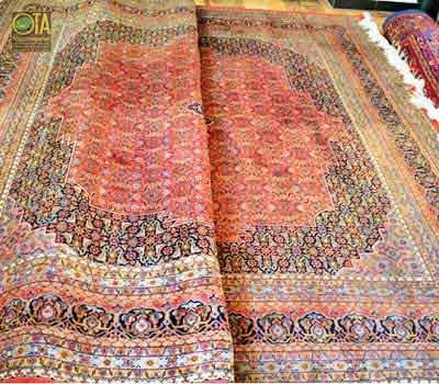 Ein feiner persischer Täbriz vor dem Verkleinern